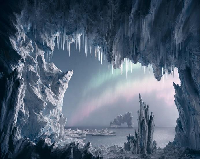 Didier Massard, Aurora Borealis 2013, Chromogenic print (color)